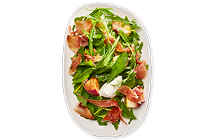 Salad with peaches and Iberian ham 130/20 g UIA